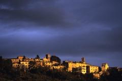 ITALIA, TOSCANA, COSTA DEGLI ETRUSCHI, Castagneto Carducci (LI), veduta del borgo.