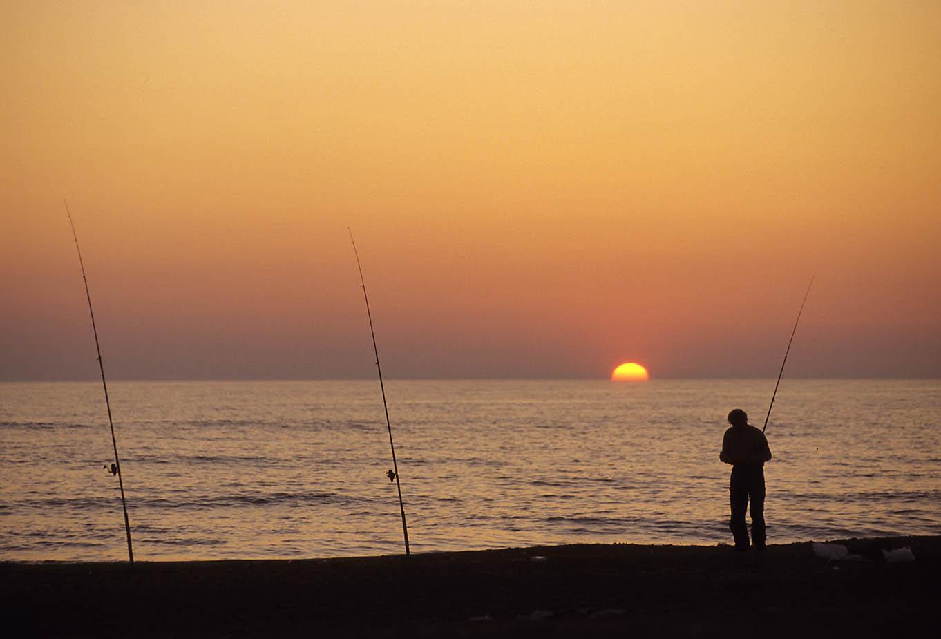 ITALIA, TOSCANA, COSTA DEGLI ETRUSCHI, Castagneto Carducci (LI): Marina di Donoratico, tramonto.