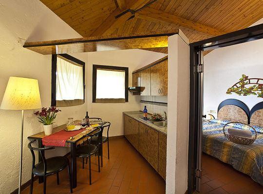 http://www.zimartino.com/wp-content/uploads/2016/02/hotel_donoratico_30-1-540x400.jpg