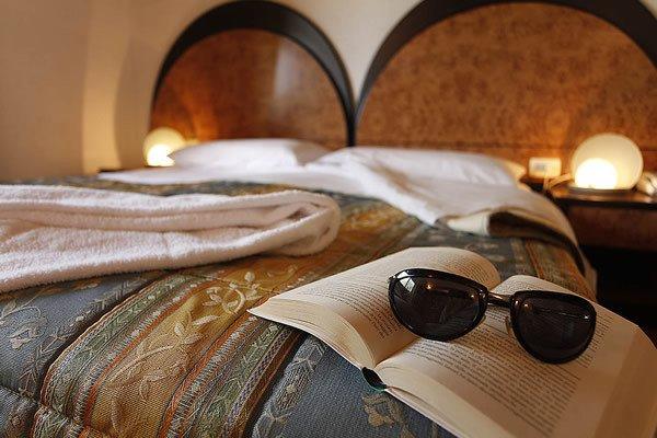 http://www.zimartino.com/wp-content/uploads/2016/02/hotel_donoratico_41-1-1.jpg
