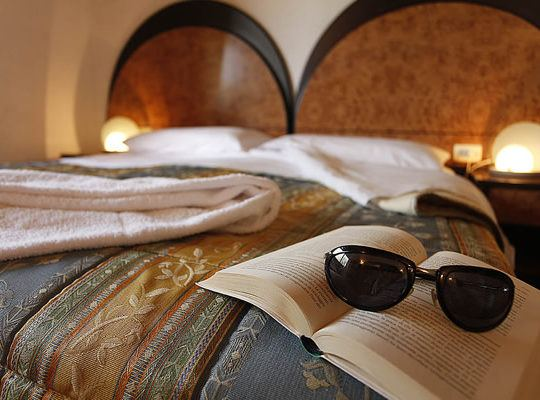https://www.zimartino.com/wp-content/uploads/2016/02/hotel_donoratico_41-2-540x400.jpg
