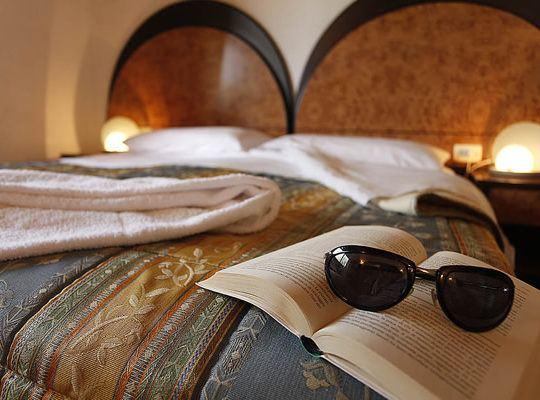 http://www.zimartino.com/wp-content/uploads/2016/02/hotel_donoratico_41-2-540x400.jpg